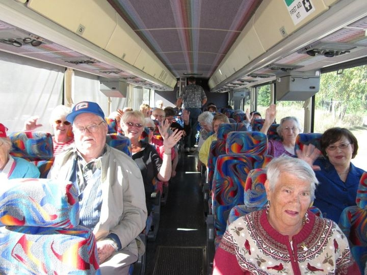 Residents celebrate Assisted Living Week with a Bus Trip to the North Shore – Duluth and Two Harbors